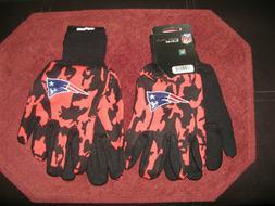 TWO  PAIR OF NEW ENGLAND PATRIOTS SPORT UTILITY GLOVES FROM